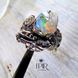 Pierscionek z surowym opalem - Pierścionki - Biżuteria