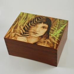 kobita,paproć,szkatułka,pirografia - Pudełka - Wyposażenie wnętrz