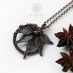 wisior z oksydowanej miedzi,kwiat,wire wrapping - Wisiory - Biżuteria