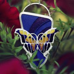 wisior z motylem,srebrny wisior z emalią - Wisiory - Biżuteria