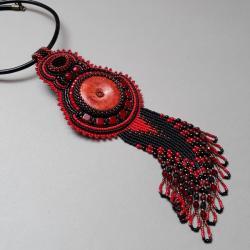 naszyjnik z koralowcem,z onyksem,haft koralikowy - Naszyjniki - Biżuteria
