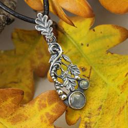 dębowe liście,jesienny,wisior z labradorytami - Wisiory - Biżuteria