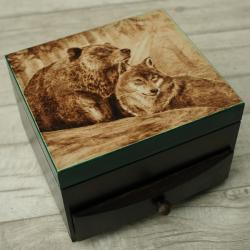 wilk,niedźwiedź,pirografia - Pudełka - Wyposażenie wnętrz