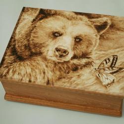 niedźwiedź,moryl,pirografia - Pudełka - Wyposażenie wnętrz