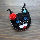 Broszki broszka z kotem,czarny kot,koralikowa broszka