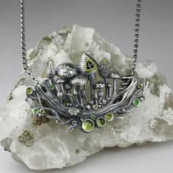 srebrne grzyby,leśna magia,oliwiny,zielony,las - Wisiory - Biżuteria