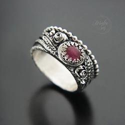 srebrny pierścionek,szeroka obrączka,z rubinem - Pierścionki - Biżuteria