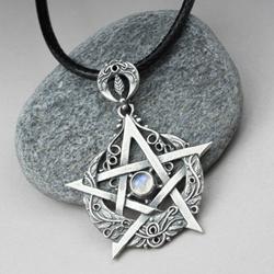 pentagram,księżyc,wicca,kamień księżycowy - Wisiory - Biżuteria