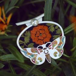 srebrny wisior z ćmą,emaliowany motyl - Naszyjniki - Biżuteria