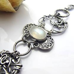 Zdobiona bransoletka z kamieniem księżycowym - Bransoletki - Biżuteria
