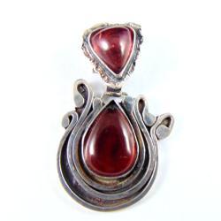 wisior srebrny z granatem - Wisiory - Biżuteria