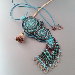 naszyjnik,haft koralikowy,turkusowy,z frędzlami - Naszyjniki - Biżuteria