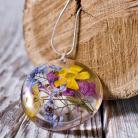 Naszyjniki naszyjnik z kolorowymi kwiatami w żywicy