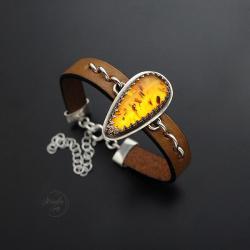 bransoletka,na rzemieniu,z bursztynem - Bransoletki - Biżuteria