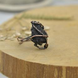 pierścionek,miedź,czarny turmalin,surowy krształ - Pierścionki - Biżuteria