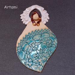 anioł ceramiczny,turkusowy rzeżbiony,koronka - Ceramika i szkło - Wyposażenie wnętrz