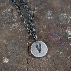 srebrna zawieszka z sercem - Naszyjniki - Biżuteria