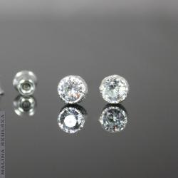 delikatne,sztyfty,bezbarwne,cyrkonie,małe - Kolczyki - Biżuteria