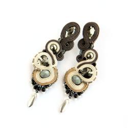 Wieczorowe kolczyki w szarości i beżach - Kolczyki - Biżuteria