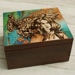 pirografia,kobieta,sowa - Pudełka - Wyposażenie wnętrz