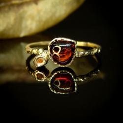 złoto,granat,czerwony,unikat,pierścionek - Pierścionki - Biżuteria