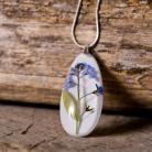 Naszyjniki niezapominajki w białej żywicy-piękny naszyjnik