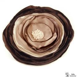 broszka,satyna,kwiat,kwiatowa,brąz,taupe,beż - Broszki - Biżuteria