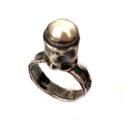 perła,srebrny,surowy,retro,szarości,srebro,lekki - Pierścionki - Biżuteria