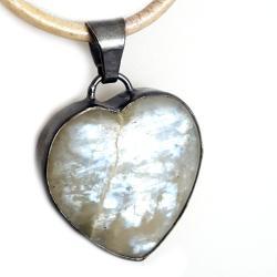 księżycowy,blask,srebrny,szarości,niebo,serce,styl - Wisiory - Biżuteria