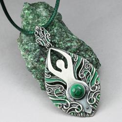 bogini,wisior feministyczny,malachit,symbol - Wisiory - Biżuteria