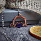 Wisiory biżuteria ochronna,wisior z lunulą i ametystem