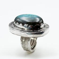 Sekretnik z labradorytem pierścionek - Pierścionki - Biżuteria