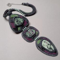 zoisyt z rubinem,naszyjnik,haft koralikowy,zielony - Naszyjniki - Biżuteria