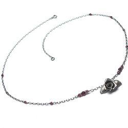 krótki,delikatny,romantyczny,róża - Naszyjniki - Biżuteria