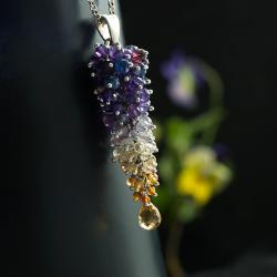 kolorowe grono,unikatowy,pracochłonny,piękny - Wisiory - Biżuteria