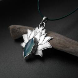 kwiat lotosu,wisiorek,biżuteria,kobieta,fiann - Wisiory - Biżuteria