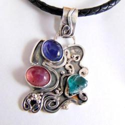 Wisor srebrny tanzanitem i rubinem - Wisiory - Biżuteria