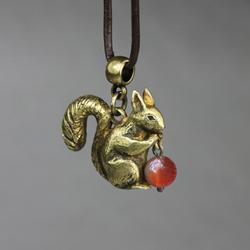 wiewiórka,karneol,zwierzątko,wiewiór,leśny - Wisiory - Biżuteria