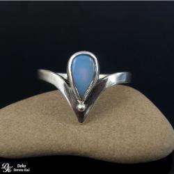 pierścionek,opal,etiopski,delikatny,kropla,błękit - Pierścionki - Biżuteria