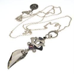 srebrny wisior z kryształem kieł - Wisiory - Biżuteria