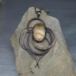 misterny wisior,kwarc z rutylem,wire wrapping - Naszyjniki - Biżuteria