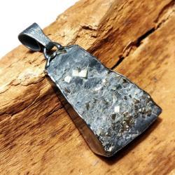 piryt,zloty,srebrno,czerń,łupek,mineralny,szarości - Wisiory - Biżuteria