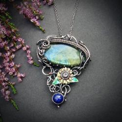 srebrny wisior z labradorytem,kwiat słonecznika - Naszyjniki - Biżuteria