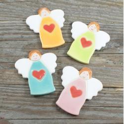 aniołek,magnes,kolorowe,serce - Ceramika i szkło - Wyposażenie wnętrz