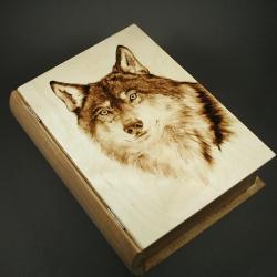 wilk,wypalany,szkatułka - Pudełka - Wyposażenie wnętrz