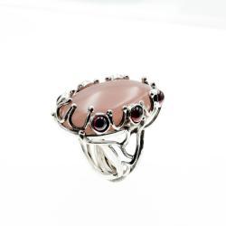 Piierścionek z kwarcem różowym i granatami - Pierścionki - Biżuteria
