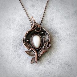 naszyjnik miedziany,mleczny kamień księżycowy - Naszyjniki - Biżuteria