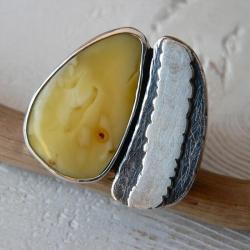 duży pierścień,z bursztynem,surowe srebro - Pierścionki - Biżuteria
