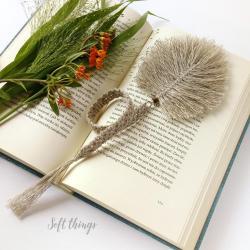 lniana zakładka do książki z piórkiem,makrama - Zakładki do książek - Akcesoria