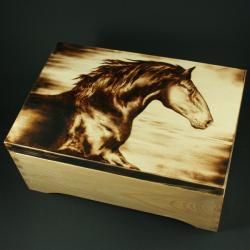 koń,galop,wypalanie - Pudełka - Wyposażenie wnętrz